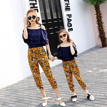 2017 Summer Matching Mother Daughter Clothes Bat's-Wing-Sleeved Strapless Shirt And Pants Set Falimly Look Outfits Girl Clothing